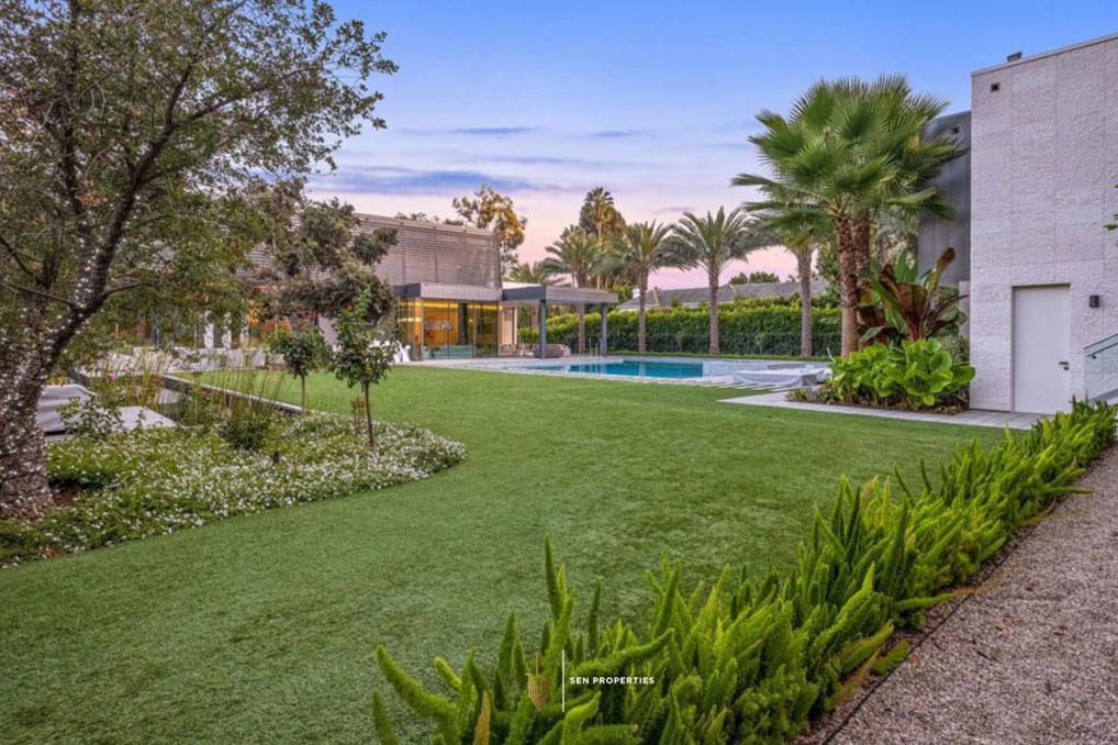 9-SenProperties-Luxury-Home-Garden